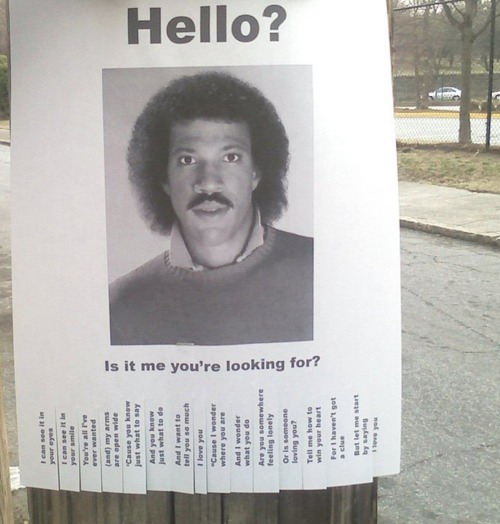 Lionel Ritchie - Hello lost sign