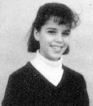 Young Neve Campbell yearbook picture