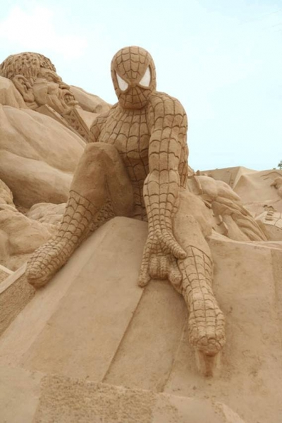 SWpider Man sand sculpture