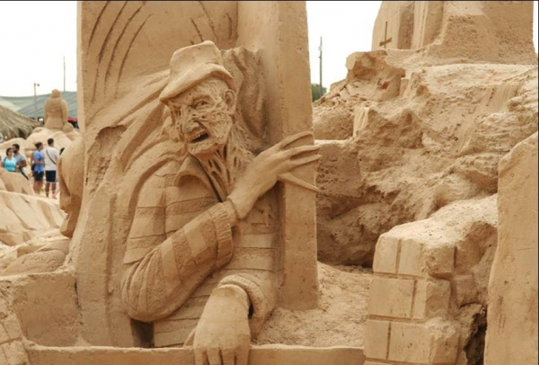 Freddy Krueger sand sculpture