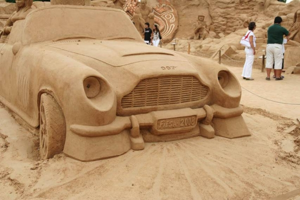 Aston Martin DB4 sand sculpture