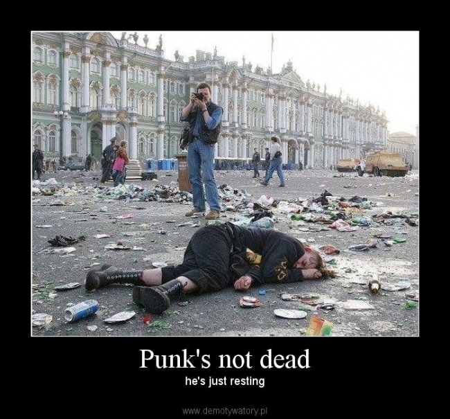 http://pics.blameitonthevoices.com/082009/small_punks%20not%20dead.jpg