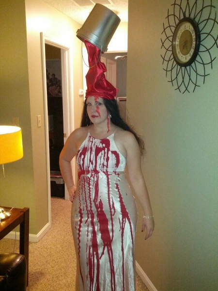 Carrie Halloween costume