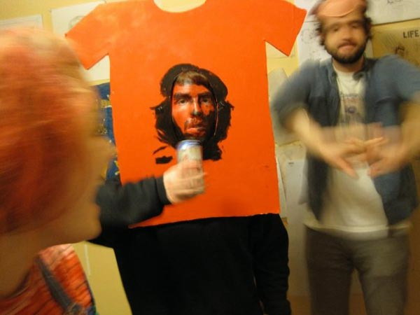 Cool Halloween costume Che Guevara t-shirt. Monday November 1 2010  sc 1 st  Blame It On The Voices & Cool Halloween costume: Che Guevara t-shirt