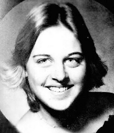 Young Ellen DeGeneres before she was famous yearbook picture