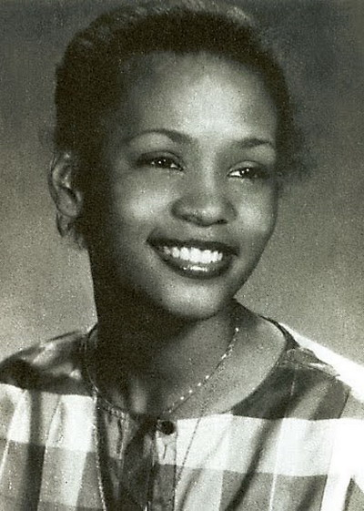 Young Whitney Huston yearbook picture